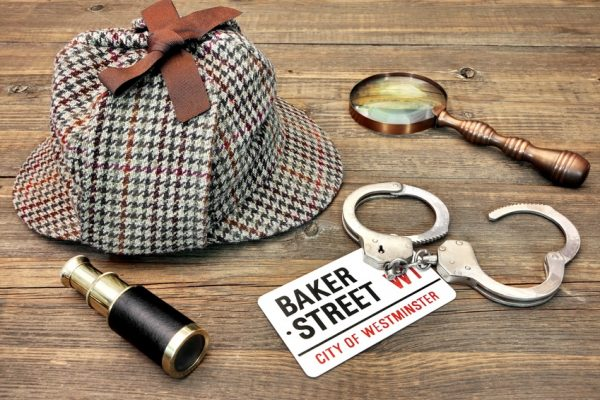 Detective Hat, Spyglass and Magnifiervacances de printemps
